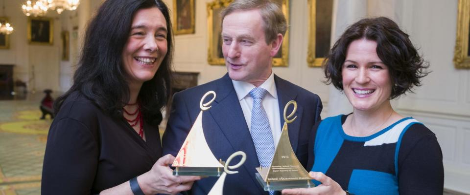 Picture of L-R: Dr. Sandra Collins, An Taoiseach Enda Kenny TD, Dr. Natalie Harrower